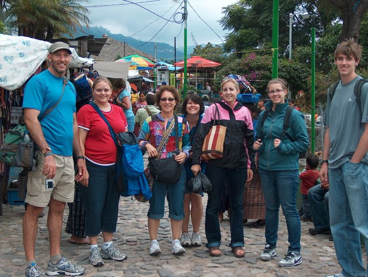 teachers-shopping-guatemala