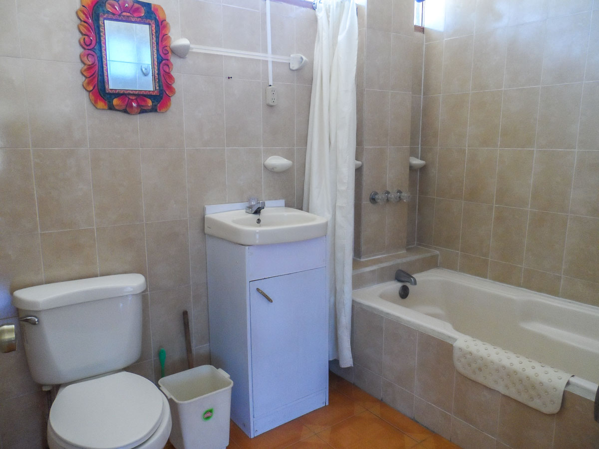Apartment-6-bathroom-rent-quetzaltenango
