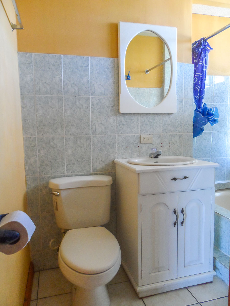 apartment-1-bathroom-2-quetzaltenango