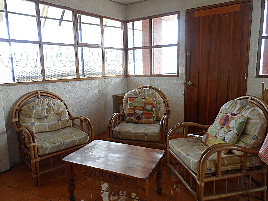 apartment-rent-4-quetzaltenango-living-room