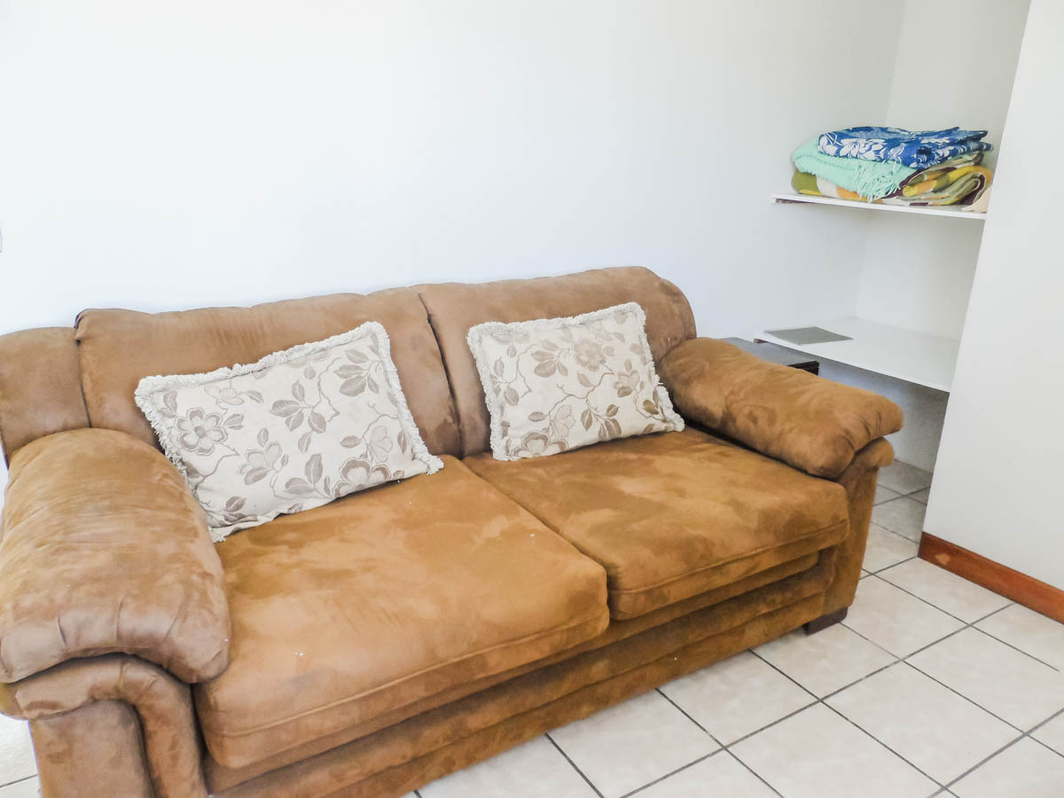 sofa-study-rent-apartment-quetzaltenango