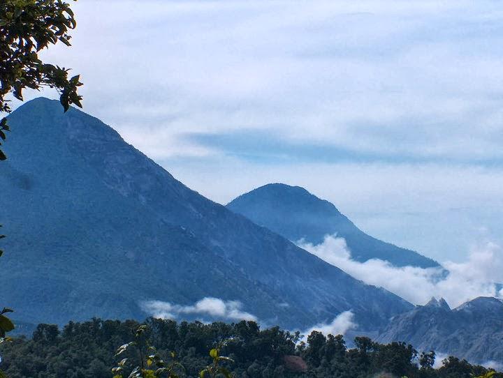 Volcan-Santa-Maria y-Santiaguito