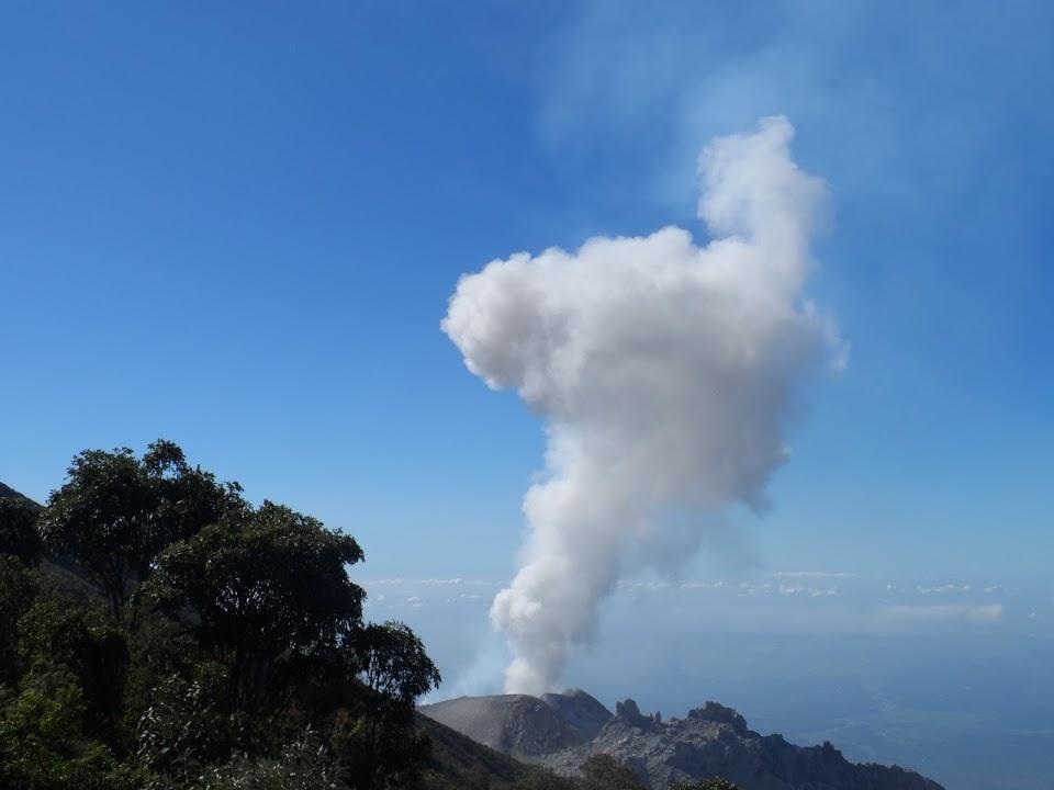 domes-santiaguito-volcano-hike-guatemala